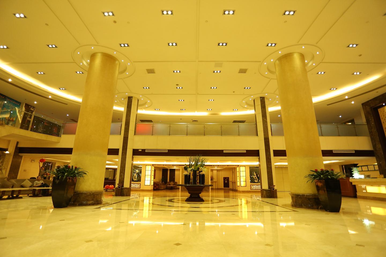 1日>【国庆】佛山南海雅居乐酒店国庆节含2大1小美食套票299元/套